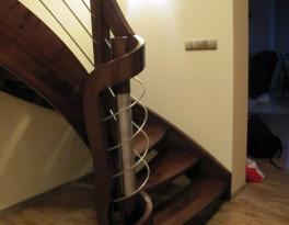 Schody samonośne jesionowe, barani róg – Kruszwice