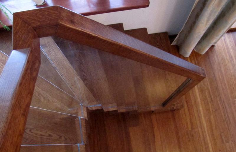 Dodatki do schodów -Poręcze do schodów drewnianych