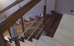Wloclawe-schody-na-beton-CNC-po-skanowaniu-Balustrada-stal-nierdzewna—drewno-jesion-(14)