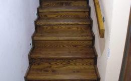 Wloclawe-schody-na-beton-CNC-po-skanowaniu-Balustrada-stal-nierdzewna—drewno-jesion-(7)