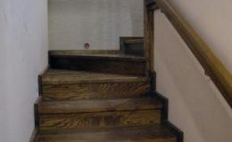 Wloclawe-schody-na-beton-CNC-po-skanowaniu-Balustrada-stal-nierdzewna—drewno-jesion-(8)