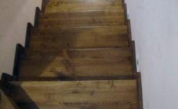 Wloclawe-schody-na-beton-CNC-po-skanowaniu-Balustrada-stal-nierdzewna—drewno-jesion-(9)