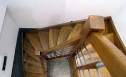 schody-q-debowe-azurowe-zabiegowe-balustrada-prety-inox-prostynin-8