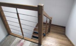 schody-q-debowe-z-podestem-kolor-giovanni-bpa-06-prety-inox-23
