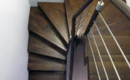 schody-q-dywanowe-jesionowe-orzech-porecz-okragla-plock-6