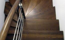 schody-q-dywanowe-jesionowe-orzech-porecz-okragla-plock-8