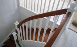 schody-q-styl-angielski-schody-jesionowe-teak-reszta-bialo-rypin-11