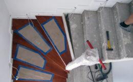 schody-q-tarczyn-na-beton-jesionowe-z-skanowniem-3-d-styl-angielski-7