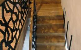 schody-q-dywanowe-debowe-konglomerat-lvl-malowane-na-czarno-14