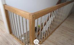 Schody Q.PL Torun Dywanowe wiszace debowe balustrada rura inox pion (11)