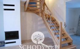 Schody-Q-Jesionowe-Policzkowe-samonosne-Olejowane–Balustrada-Czarne-prety-stal-Slupno–(2)