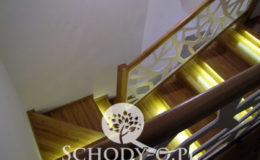 Schody-Q-Na-beton-Debowe-natura-(-czarne-zaprawki)-balustrada-LVL-biala-(1)
