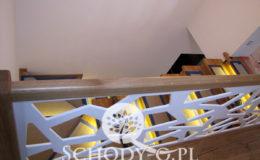 Schody-Q-Na-beton-Debowe-natura-(-czarne-zaprawki)-balustrada-LVL-biala-(21)