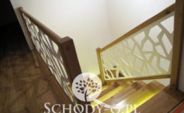 Schody-Q-Na-beton-Debowe-natura-(-czarne-zaprawki)-balustrada-LVL-biala-(5)