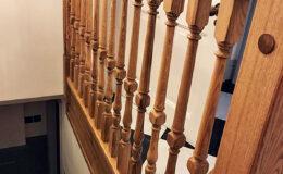 Stairs Q Londyn Jesionowe stylowe , rzezbione Omega tralka (8)